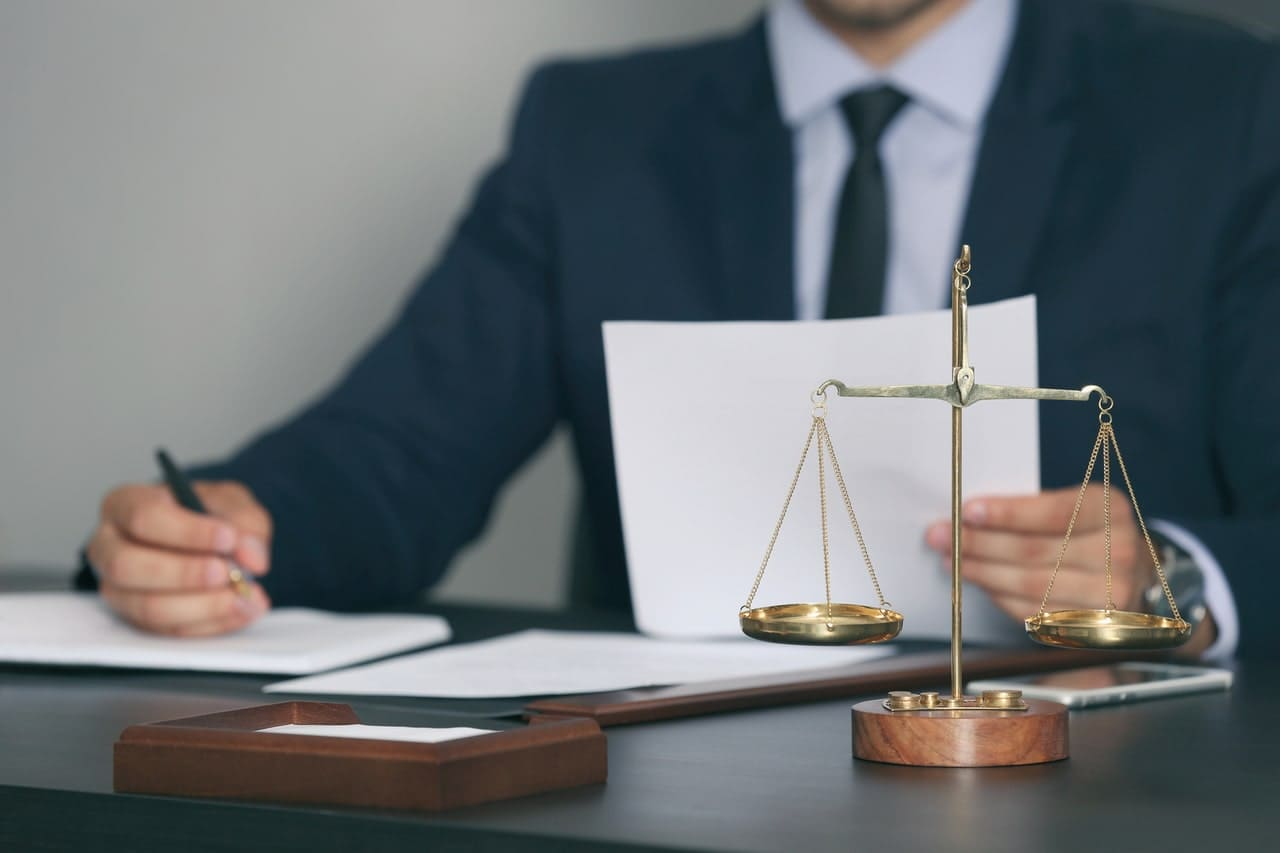 Что такое договорное право